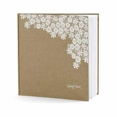 Bruiloft gastenboek met bloemen