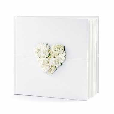 Bruiloft gastenboek met hart