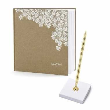 Bruiloft gastenboek met luxe pen incl. houder